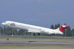 Scotchさんが、鹿児島空港で撮影した日本航空 MD-81 (DC-9-81)の航空フォト(飛行機 写真・画像)
