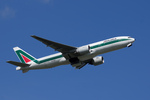 xxxxxzさんが、成田国際空港で撮影したアリタリア航空 777-243/ERの航空フォト(飛行機 写真・画像)