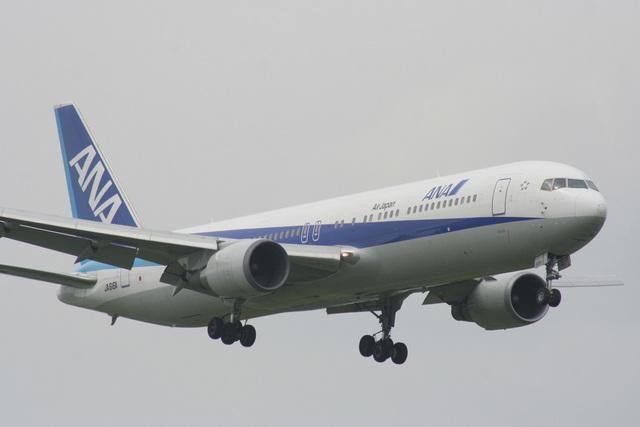 B747SR-SuperJumboさんが、成田国際空港で撮影した全日空 767-381/ERの航空フォト(飛行機 写真・画像)
