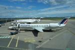 de laさんが、リヨン・サンテグジュペリ空港で撮影したレジォナル ERJ-145MRの航空フォト(写真)