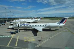 de laさんが、リヨン・サンテグジュペリ空港で撮影したレジォナル ERJ-145MRの航空フォト(飛行機 写真・画像)