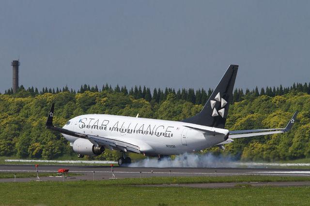 PINK_TEAM78さんが、成田国際空港で撮影したコンチネンタル航空 737-724の航空フォト(飛行機 写真・画像)