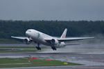 xxxxxzさんが、新千歳空港で撮影した日本航空 777-246の航空フォト(飛行機 写真・画像)
