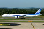 Tomo-Papaさんが、ワシントン・ダレス国際空港で撮影した全日空 777-381/ERの航空フォト(写真)