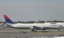 Laliluleloさんが、ジョン・F・ケネディ国際空港で撮影したデルタ航空 767-432/ERの航空フォト(飛行機 写真・画像)