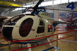 kanade/Ryo@S.O.R.A.さんが、名古屋飛行場で撮影した中日新聞社 Hughes 369HSの航空フォト(飛行機 写真・画像)