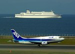 rjnsphotoclub-No.07さんが、中部国際空港で撮影したANAウイングス 737-5Y0の航空フォト(写真)
