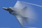 Scotchさんが、ヴェンチュラ・カウンティ=ポイントムグ海軍航空ステーションで撮影したアメリカ空軍 F-22A Raptorの航空フォト(写真)