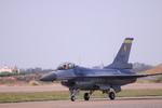 アカゆこさんが、新竹飛行場で撮影した中華民国空軍 F-16A Fighting Falconの航空フォト(写真)