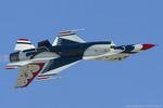 Scotchさんが、ネリス空軍基地で撮影したアメリカ空軍 F-16C-32-CF Fighting Falconの航空フォト(写真)