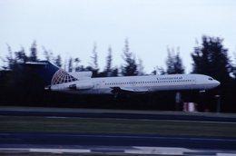 biscayneさんが、ルイス・ムニョス・マリン国際空港で撮影したコンチネンタル航空 727-224の航空フォト(飛行機 写真・画像)