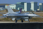 Scotchさんが、築城基地で撮影したアメリカ空軍 F-16CM-50-CF Fighting Falconの航空フォト(写真)
