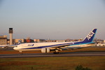 meijeanさんが、伊丹空港で撮影した全日空 777-281の航空フォト(写真)