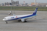chalk2さんが、羽田空港で撮影した全日空 777-281/ERの航空フォト(写真)