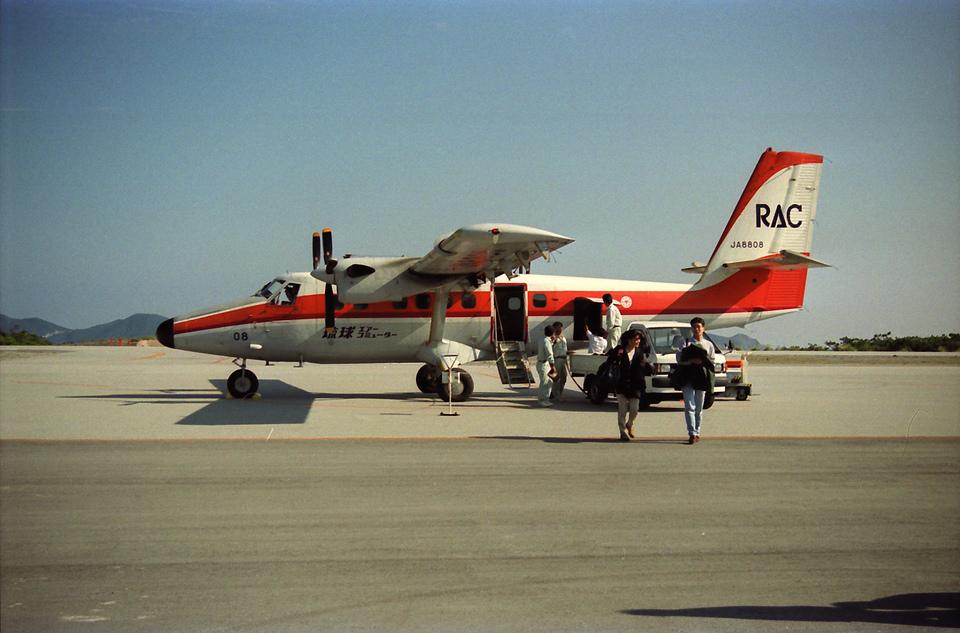 ga-koさんの琉球エアーコミューター De Havilland Canada DHC-6 Twin Otter (JA8808) 航空フォト