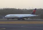 ふじいあきらさんが、成田国際空港で撮影したデルタ航空 777-232/ERの航空フォト(写真)