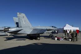 Scotchさんが、ノースアイランド海軍航空ステーション・ハスレーフィールドで撮影したアメリカ海兵隊 F/A-18C Hornetの航空フォト(飛行機 写真・画像)