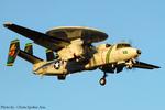 Chofu Spotter Ariaさんが、厚木飛行場で撮影したアメリカ海軍 E-2C Hawkeyeの航空フォト(飛行機 写真・画像)