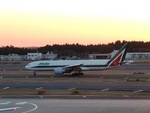 aquaさんが、成田国際空港で撮影したアリタリア航空 777-243/ERの航空フォト(写真)