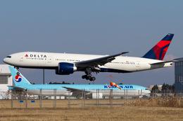 PINK_TEAM78さんが、成田国際空港で撮影したデルタ航空 777-232/LRの航空フォト(飛行機 写真・画像)