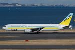 Scotchさんが、羽田空港で撮影したAIR DO 767-33A/ERの航空フォト(写真)