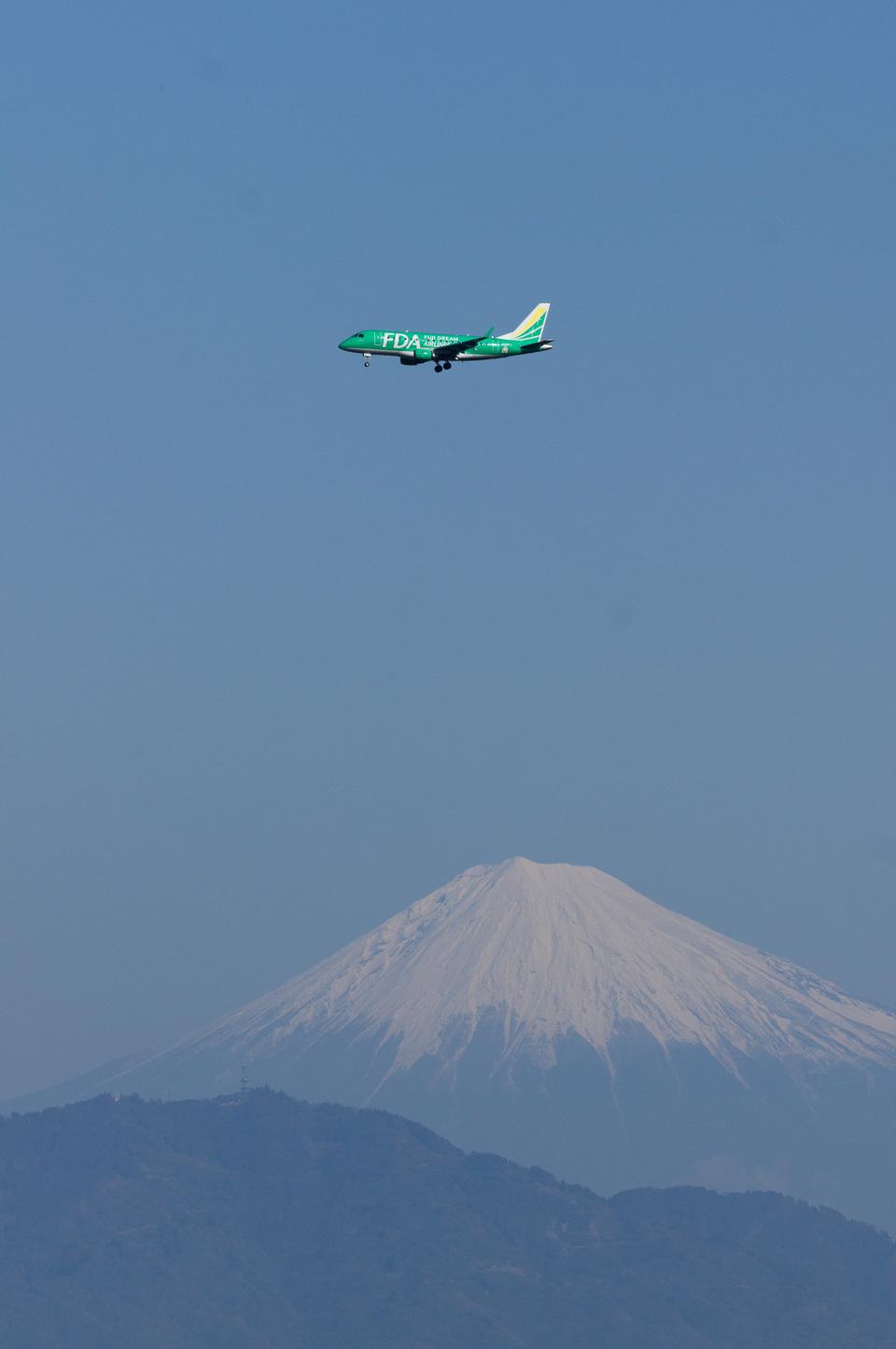 xxxxxzさんのフジドリームエアラインズ Embraer 170 (JA04FJ) 航空フォト