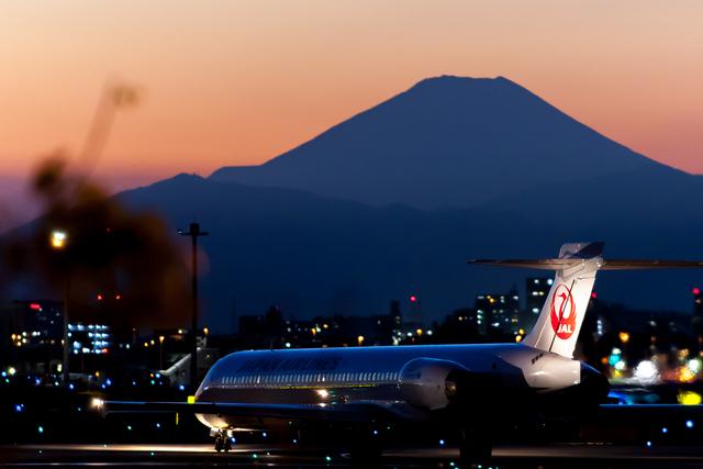 ヒットさんが、羽田空港で撮影した日本航空 MD-90-30の航空フォト(飛行機 写真・画像)