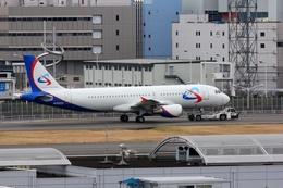 mitsuさんが、羽田空港で撮影したウラル航空 A320-214の航空フォト(飛行機 写真・画像)