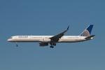 matsuさんが、ロサンゼルス国際空港で撮影したユナイテッド航空 757-33Nの航空フォト(写真)
