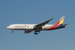 matsuさんが、ロサンゼルス国際空港で撮影したアシアナ航空 777-28E/ERの航空フォト(写真)