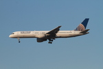 matsuさんが、ロサンゼルス国際空港で撮影したユナイテッド航空 757-222の航空フォト(写真)