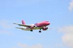 Booneさんが、フランクフルト・ハーン空港で撮影したウィズ・エア A320-233の航空フォト(写真)