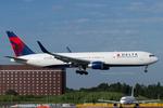 Scotchさんが、成田国際空港で撮影したデルタ航空 767-332/ERの航空フォト(写真)