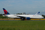 Scotchさんが、成田国際空港で撮影したデルタ航空 777-232/ERの航空フォト(写真)