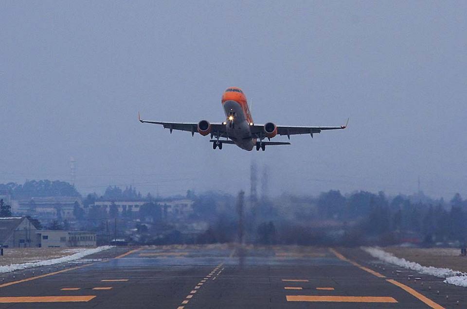 ミッキー・モンキーさんのフジドリームエアラインズ Embraer 175 (JA05FJ) 航空フォト