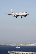 turt@かめちゃんさんが、関西国際空港で撮影した日本航空 767-346/ERの航空フォト(写真)