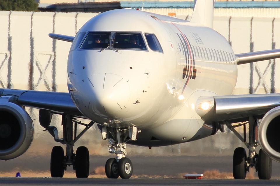 ニンバスT.Iさんのジェイエア Embraer 170 (ja214j) 航空フォト