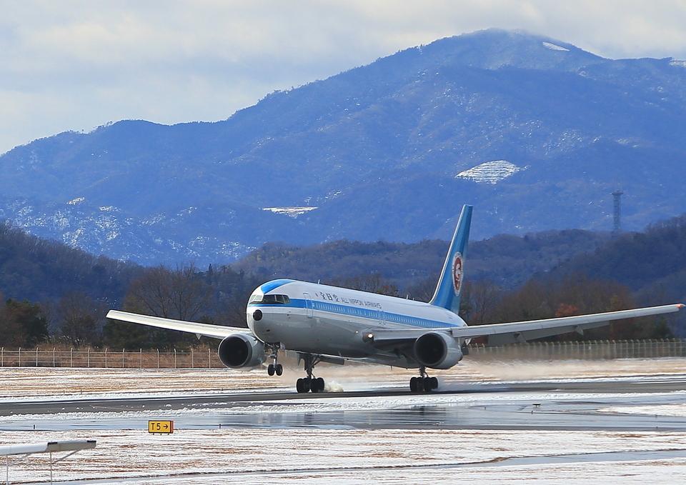 ふじいあきらさんの全日空 Boeing 767-300 (JA602A) 航空フォト