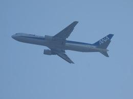 鷹71さんが、香港国際空港で撮影した全日空 767-381/ERの航空フォト(飛行機 写真・画像)