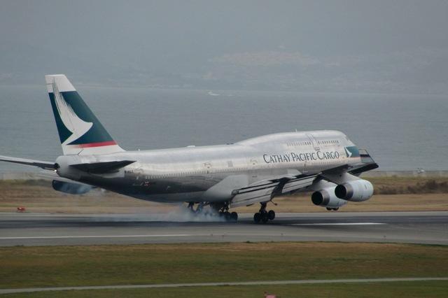 山河 彩さんが、関西国際空港で撮影したキャセイパシフィック航空 747-444(BCF)の航空フォト(飛行機 写真・画像)