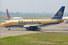 jun☆さんが、スカルノハッタ国際空港で撮影したマンダラ・エアラインズ 737-2E7/Advの航空フォト(飛行機 写真・画像)