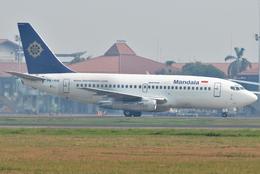 jun☆さんが、スカルノハッタ国際空港で撮影したマンダラ・エアラインズ 737-2V5/Advの航空フォト(飛行機 写真・画像)