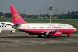 jun☆さんが、スカルノハッタ国際空港で撮影したジャタユ・エアラインズ 737-204/Advの航空フォト(飛行機 写真・画像)