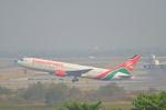 ひでかずさんが、スワンナプーム国際空港で撮影したケニア航空 767-36N/ERの航空フォト(飛行機 写真・画像)