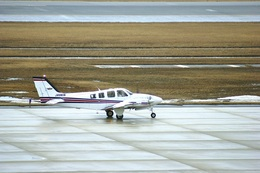 BELL602さんが、新潟空港で撮影した航空大学校 Baron G58の航空フォト(写真)