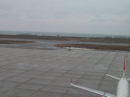 ANA STARALLIANCE 新潟さんが、新潟空港で撮影した航空大学校 Baron G58の航空フォト(写真)