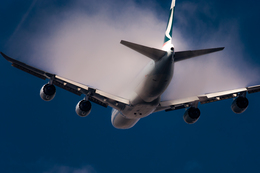 ヒットさんが、成田国際空港で撮影したキャセイパシフィック航空 747-867F/SCDの航空フォト(写真)