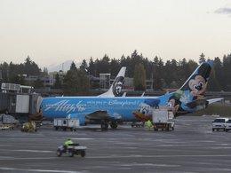 Kilo Mikeさんが、シアトル タコマ国際空港で撮影したアラスカ航空 737-4Q8の航空フォト(飛行機 写真・画像)