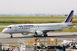 kinsanさんが、パリ シャルル・ド・ゴール国際空港で撮影したレジォナル ERJ-190-100 LR (ERJ-190LR)の航空フォト(飛行機 写真・画像)