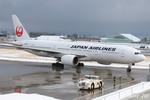 RINA-281さんが、小松空港で撮影した日本航空 777-246の航空フォト(飛行機 写真・画像)